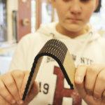 Muutakin kuin linnunpönttöjä – Sääksjärven koulun teknisissä töissä käytössä on 3D-printteri ja laserleikkuri. Tähtäimessä on ohjata nuoria teknologiateollisuuden pariin
