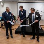 Puhemies Matti Vanhanen vihki Pohjoismaiden suurimman kalasavustamon Sastamalassa