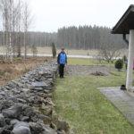 Venäläisautoilija luuli Laukon kartanoksi – itse tehty piha sai ympäristöpalkinnon
