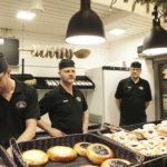 Kolme leipurikaverusta: sata vuotta leipomokokemusta