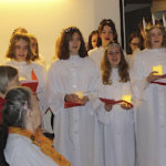 Lucia ilahdutti Himminkodon ja Kotokampuksen vanhuksia