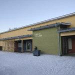 Päiväkodit ovat ääriään myöten täynnä Lempäälässä – Ruuhkaa pyritään purkamaan Siskonlinnan päiväkodille tuotavalla laajennusosalla, katso kuva sijoituspaikasta