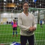 Ville Väisänen on pelannut Huuhkajissa ja Liverpoolia vastaan Olympiastadionilla – nyt hän antaa panoksensa valmentajana LeKi-futikselle