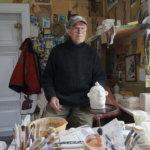 Keramiikkataiteilija Teemu Luoto saa työstään elinvoimaa, hänen teoksensa puolestaan antavat elinvoimaa omistajilleen