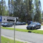 Pysäköinnin valvonta alkoi Lempäälässä: Maisemaan ilmestyneet uudet merkit oudoksuttavat kulkijoita