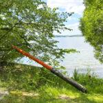 Rannalla lojuva väylämerkki kummastuttaa – Väyläurakoitsija on tarkastanut reitin eikä puutteita löydy