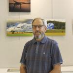 Kun Ilpo Kuparinen kuvaa, ympäriltä katoaa kaikki muu – Näyttely nähtävillä Vesilahden kirjastossa