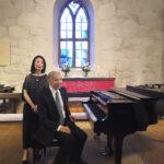 Pianonsoittoa opiskeltiin monella tasolla – Opettajien Erik T. Tawaststjernan ja Hui-Ying Liu-Tawaststjernan duokonsertti hurmasi yleisön
