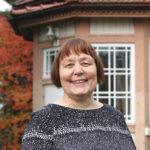 """Tunteet ovat olleet toimistonhoitaja Eija Nurmen työssä vahvasti mukana – """"Moni asiakas on läheisensä poismenon kanssa sinut"""""""