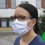 Maskin poimut alaspäin ja nenä maskin sisään – Lempääläiset hygienia- ja puhtausalan ammattilaiset kertaavat, kuinka kasvomaskia käytetään oikeaoppisesti