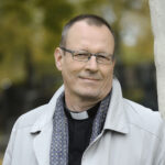 Paljonko kirkkoherra tienaa? – Eläkkeelle siirtyneen Mikko Oikarisen tulot laskivat hieman