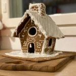Joulun suloisin piparitalo – Ota talteen Kakkukunkun kaavat! Vinkki myös, kuinka hyödyntää piparitaikinan jämät