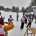 Lähes 300 koululaista: Lasten lumipäivillä Hakkarissa pidettiin hauskaa suksin
