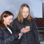 Sovellukset: Anni ja Matilda käyttävät etenkin Instagramia ja WhatsAppia ja pelaavat välitunnilla Among Usia
