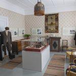 Sotaraamattu 1600-luvulta ja muita harvinaisuuksia Kuokkalan museoraitin näyttelyissä